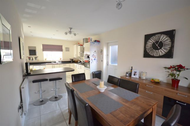 Thumbnail Detached house for sale in Chatham Road, Meon Vale, Lower Quinton