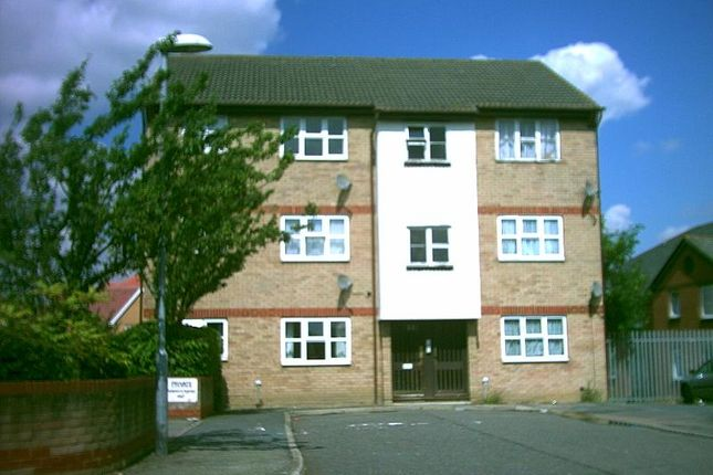 Thumbnail Flat to rent in Wrights Close, Dagenham