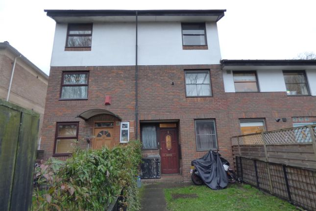 Thumbnail Property for sale in Benwick Close, London