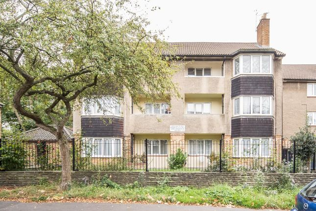 Thumbnail Flat for sale in The Drive, London