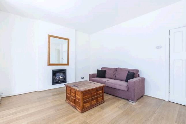 Thumbnail Flat to rent in Benyon House Benyon House, Myddelton Passage, London