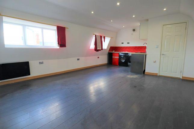 Thumbnail Studio to rent in Harpur Apartments, Harpur Street, Bedford
