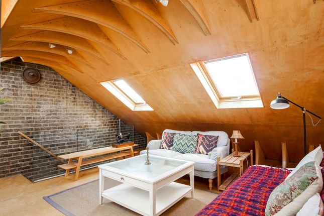Attic Room of Montpelier Grove, Kentish Town NW5