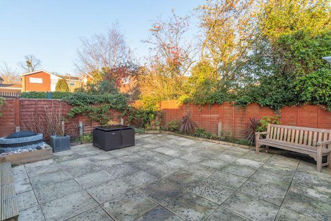 Garden of St. Peters Close, Burnham, Slough SL1
