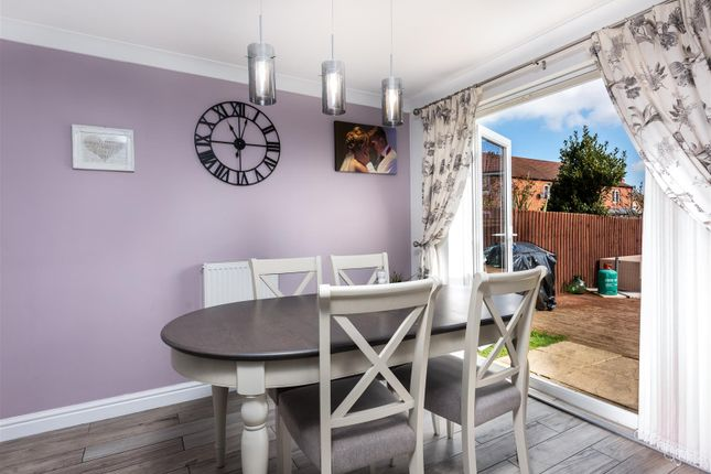 Wondrous 4 Bed Detached House For Sale In St Thomas Drive Wyberton Home Interior And Landscaping Ologienasavecom