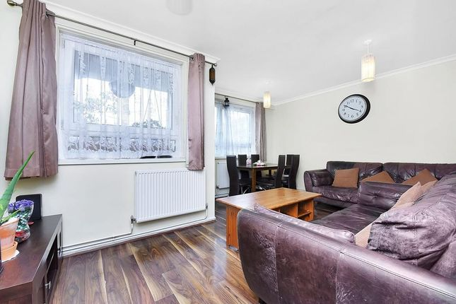 Thumbnail Flat for sale in Hobsons Place, London