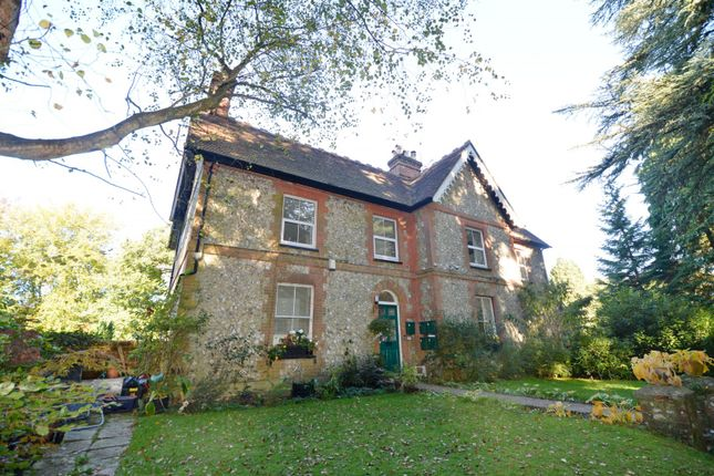 Thumbnail Flat to rent in Sandcliffe, London Road, Rake, Liss