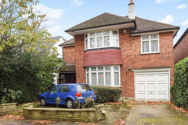 4 bed detached house to rent in London Road, Stanmore