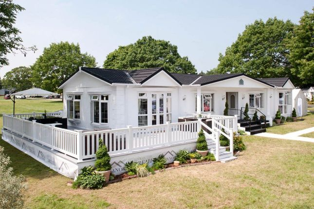 Thumbnail Mobile/park home for sale in Cambridge Road, Stretham, Ely