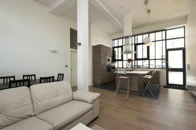 3 bed flat to rent in Warehouse Style Flats - Villiers Road, London