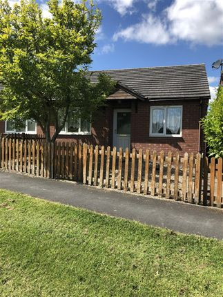 2 bed bungalow to rent in Wedgewood Crescent, Ketley, Telford TF1