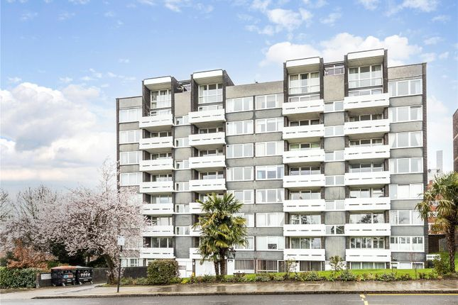 3 bed flat to rent in Lakeview Court, 418 Wimbledon Park Road, London SW19