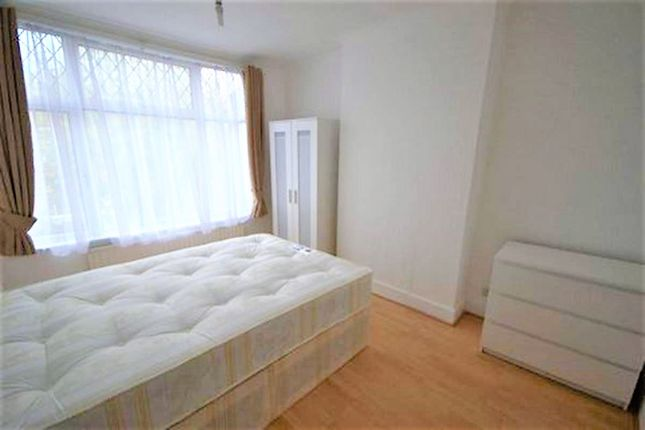 Thumbnail Terraced house to rent in Ipswich Road, London