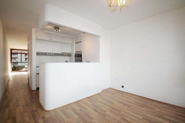 Thumbnail Flat to rent in Ben Jonson House, Barbican, London