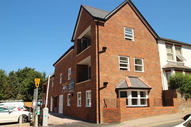 Flat for sale in Alexandra Road, Hemel Hempstead