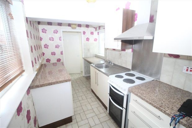 Kitchen of Ascot Road, Blackpool FY3