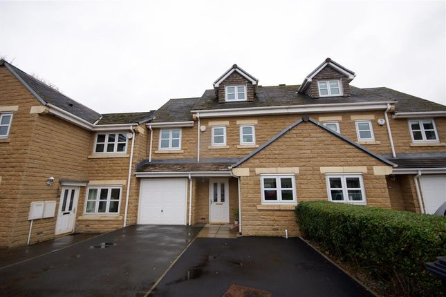 Thumbnail Town house for sale in Belgrave Court, Brighouse
