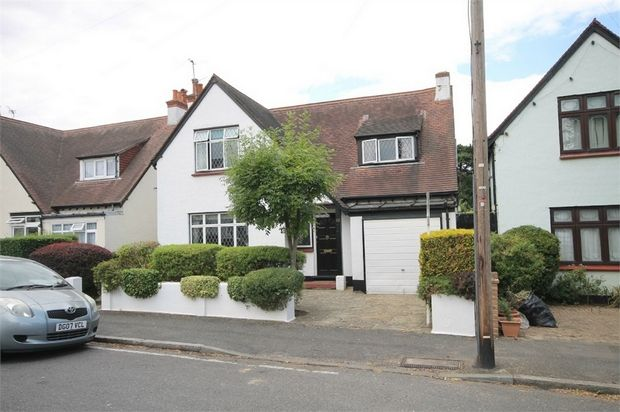 Thumbnail Detached house for sale in Demesne Road, Wallington, Surrey