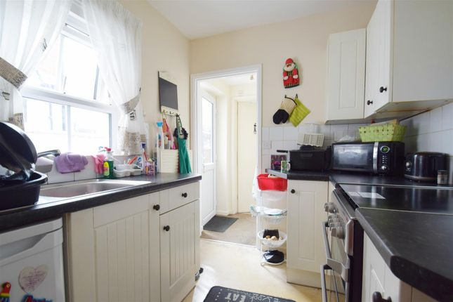 Kitchen of Filey Road, Reading, Berkshire RG1