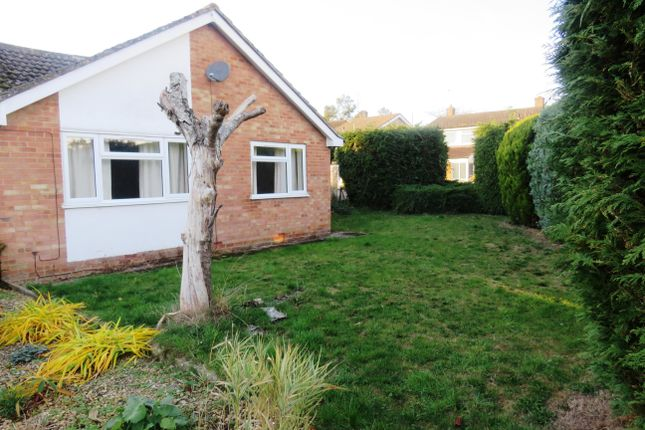 Thumbnail Bungalow to rent in Abbey Road, Witney