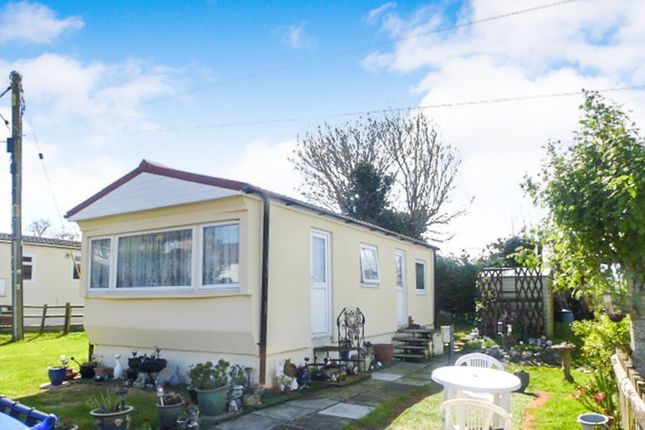 Thumbnail Mobile/park home for sale in Meadow Close, Yatton Keynell, Chippenham