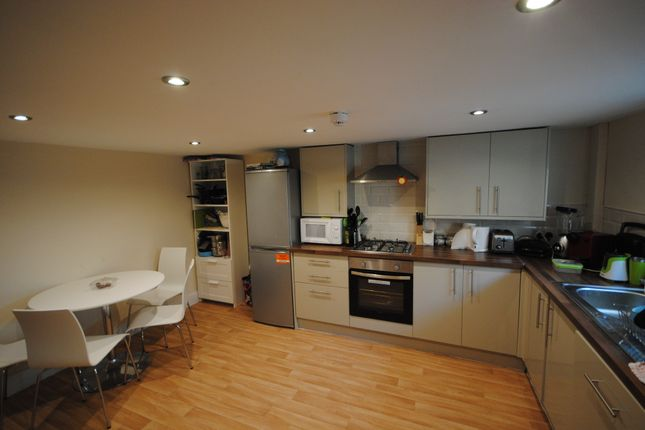Thumbnail Terraced house to rent in 17 Hessle Terrace, Hyde Park, Leeds, Hyde Park