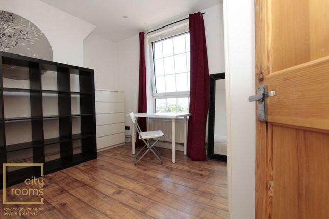 Photo 2 of Devitt House, Wade's Place, Westferry E14