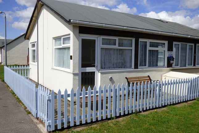 2 bed mobile/park home for sale in 40A Third Avenue, South Shore Holiday Village, Bridlington