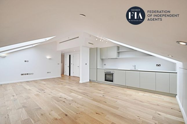 Thumbnail Flat to rent in Western Avenue, Perivale