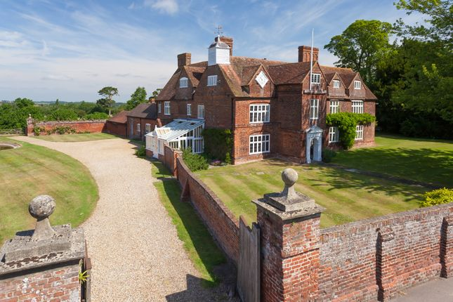 Thumbnail Country house for sale in Tunstall, Sittingbourne