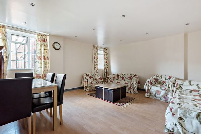 1 bed flat for sale in Trevanion Road, London