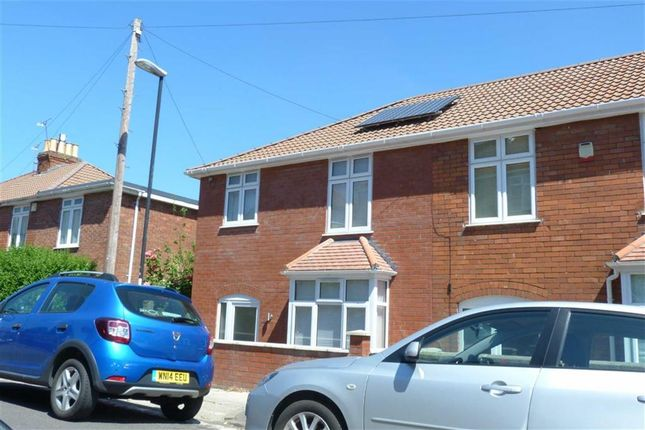 2 bed flat to rent in Queens Road, Knowle, Bristol