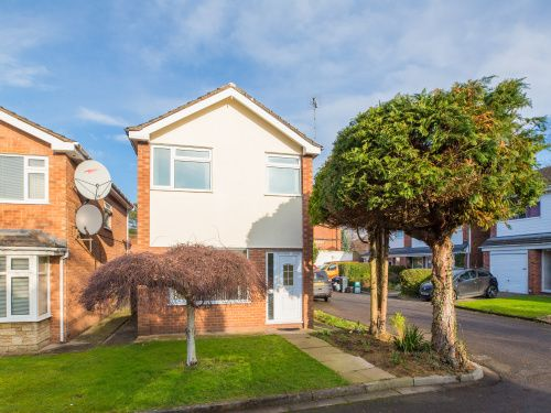 Thumbnail Detached house to rent in Priory Close, Abbots Park, Chester