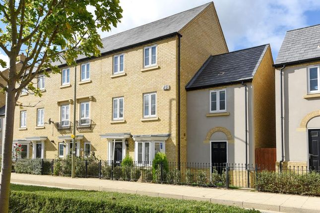 Thumbnail Town house to rent in Kingsmere, Bicester