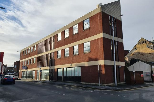 Retail premises to let in Dunedin House, Percy Street, Hull