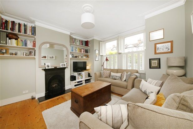 2 bed flat for sale in Martell Road, London