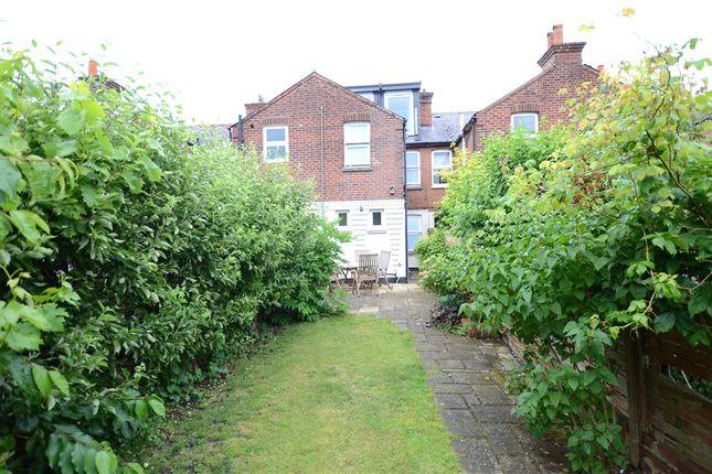 Garden B of Briants Avenue, Caversham, Reading RG4