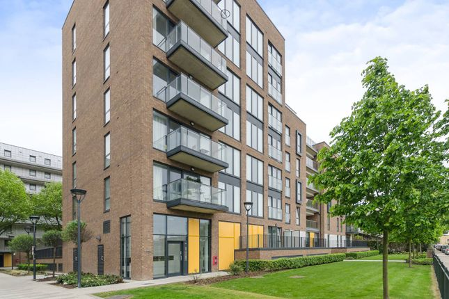 Thumbnail Flat for sale in Chadwick Court, Poplar