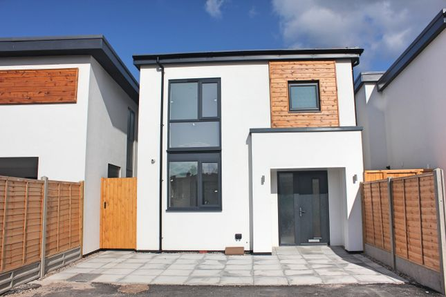 Thumbnail Detached house for sale in Cox Close, Clarendon Park, Leicester