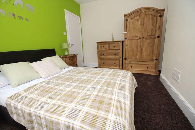 Thumbnail Room to rent in Victoria Road, Wednesfield, Wolverhampton