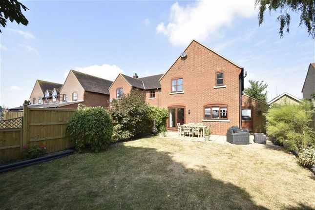 Thumbnail Semi-detached house for sale in Pipers Mead, Bicester, Oxfordshire