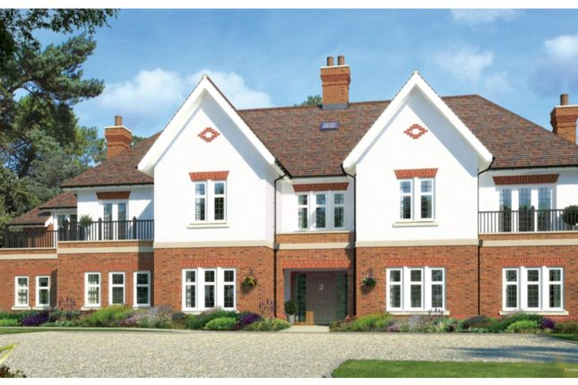 Thumbnail Flat to rent in Heath Drive, Walton On The Hill, Surrey