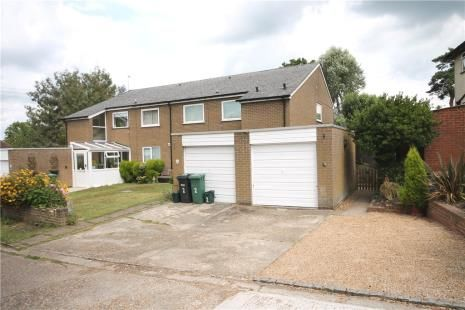 Thumbnail 2 bed maisonette to rent in Lywood Close, Tadworth
