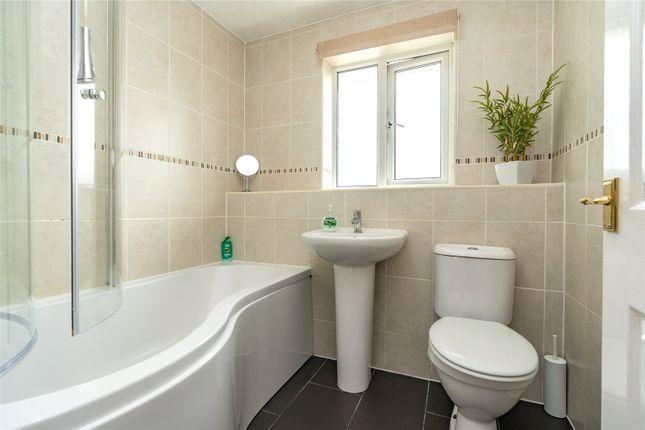 Bathroom of Finglesham Court, Maidstone, Kent ME15