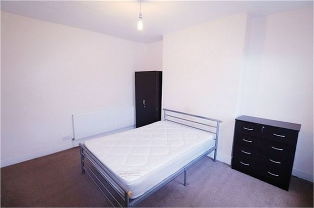 Thumbnail Room to rent in London Road, Isleworth, Greater London