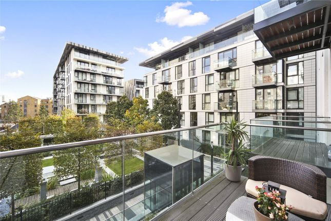Thumbnail Flat to rent in Sterling Mansions, 75 Leman Street, London