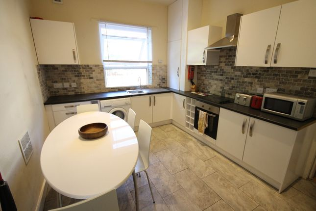 Thumbnail Terraced house to rent in Ebberston Terrace, Hyde Park, Leeds