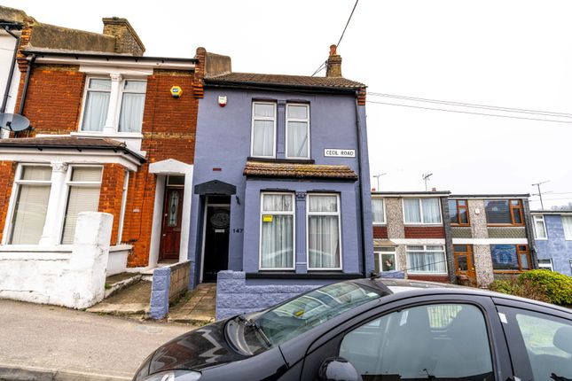Thumbnail End terrace house to rent in Cecil Road, Rochester, Kent