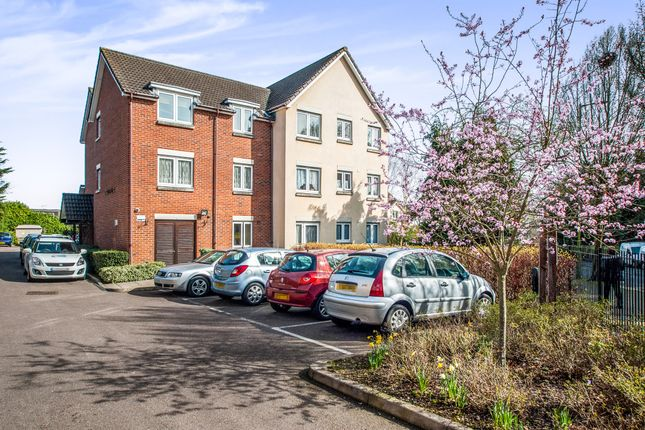Thumbnail Flat for sale in Sheepcot Lane, Leavesden, Watford