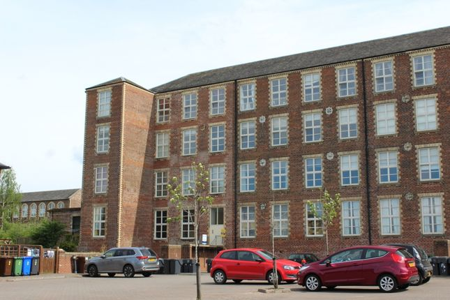 Thumbnail Flat to rent in Woolcarders Court, Cambusbarron